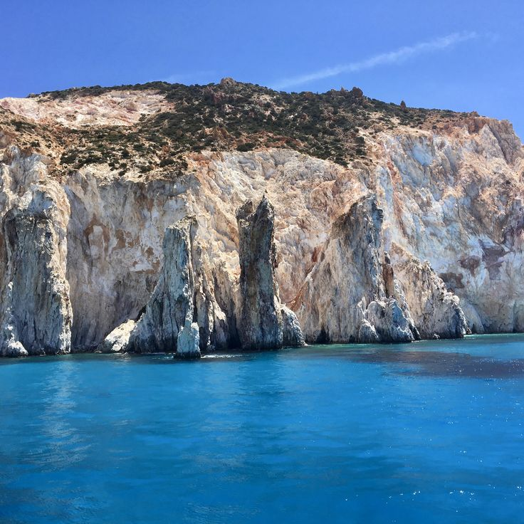 After a year of traveling through Greece, learn my favorite spots! Beaches, Seafood, Mountains, and History... and more!
