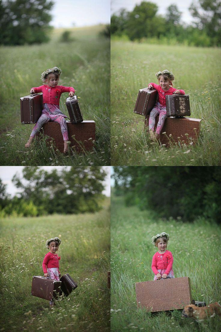 Чемоданы для фотосессии Чемоданы для фотосесии Детские #фотосессии с чемоданами. Детские #фотосчемоданами - примеры фото. #дети #детишки #ребенок #очаровашки #улыбка #семья #фотодети #жизнь #ребятишки