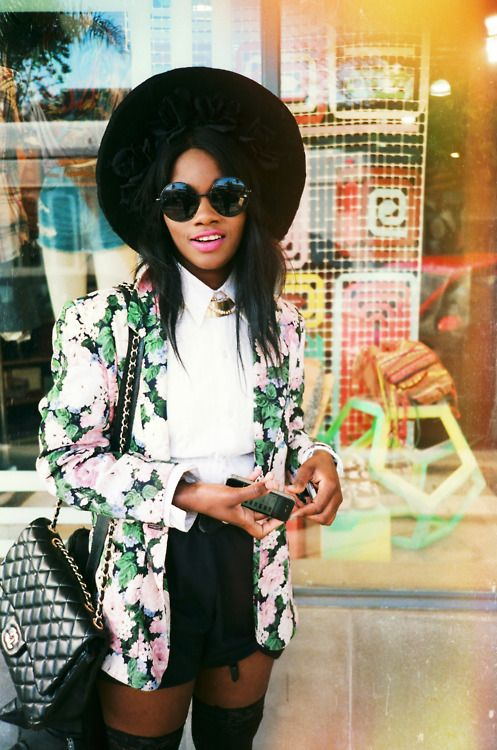 Lov this jacket!!: Floral Blazers, Floral Prints, Fashion Style, Street Style, Flowers Power, Woman Clothing, Flowers Jackets, Black Hats, Style Fashion