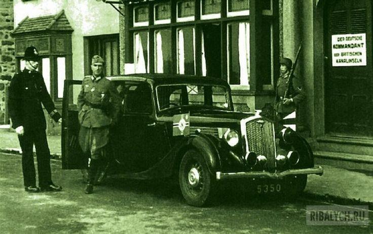Как англичане предали страну: история забытого позора (20 фото) http://kleinburd.ru/news/kak-anglichane-predali-stranu-istoriya-zabytogo-pozora-20-foto/  Вам не кажется эта фотография странной? Как-то не очень естественно смотрятся рядом солдаты вермахта и английский констебль, не так ли? И это не киноляп или постановка, а реальные кадры времен Второй мировой. Хорошо известно, что собственно до Великобритании фашисты не добрались, зато ее часть — Нормандские острова у французских берегов —…