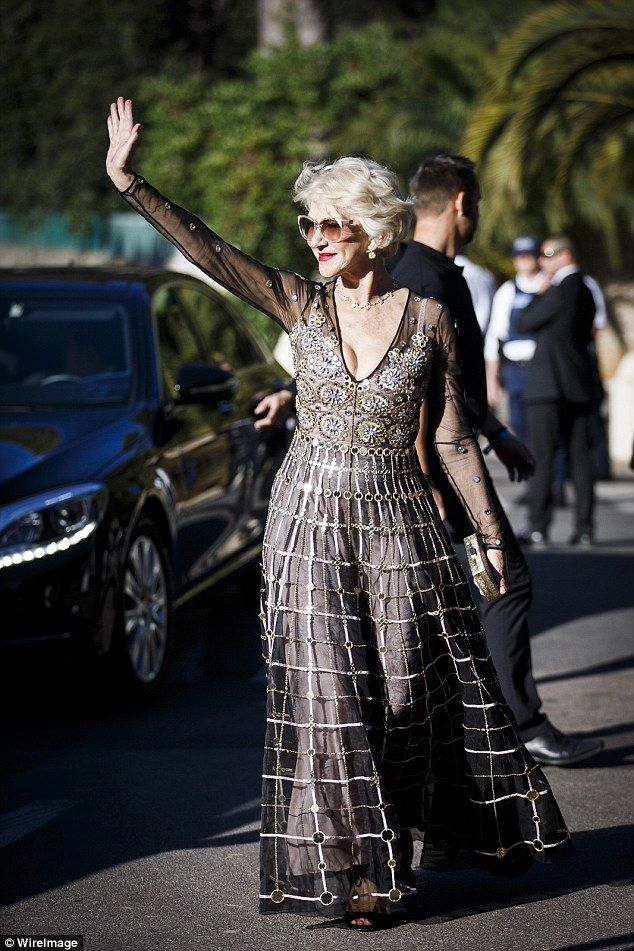 Hello, I'm fabulous! Helen looked every inch the stunning superstar as she waved at onlook...