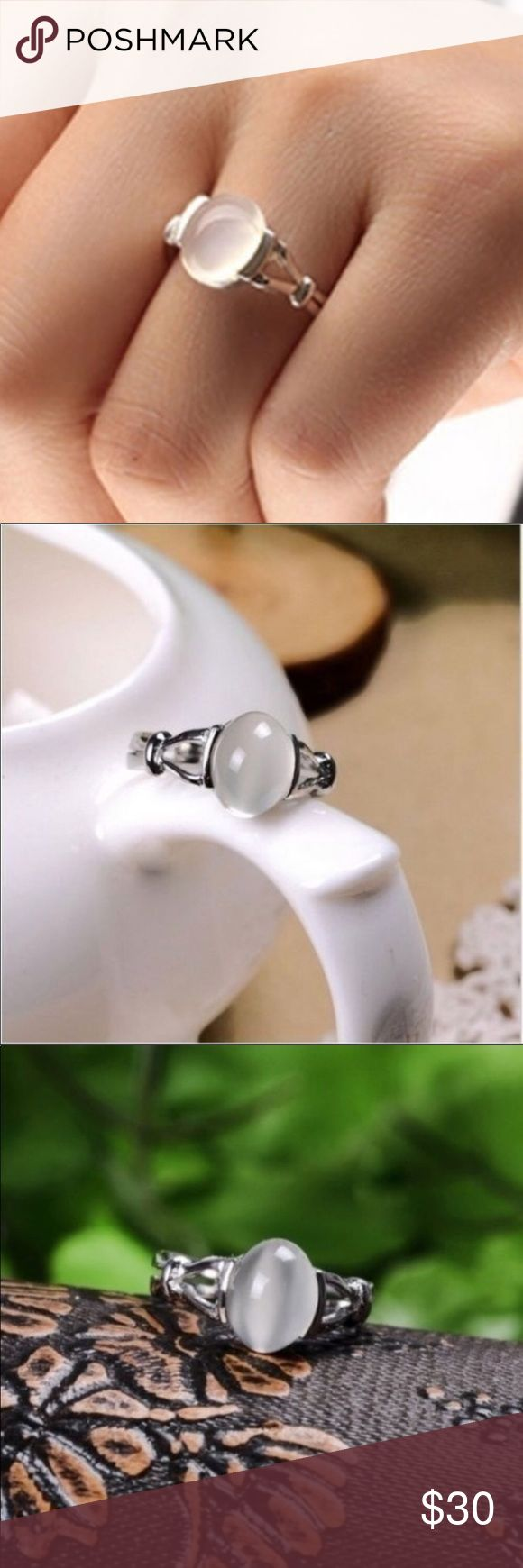 💍 10kt white gold filled Beautiful moonstone 10kt white gold filled ring. Comes with gift box. Price Firm. Farah Jewelry Jewelry Rings