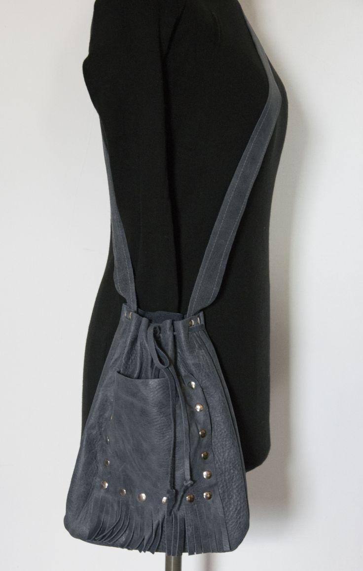 Skrawek Natury - pewter leather bag with nailheads