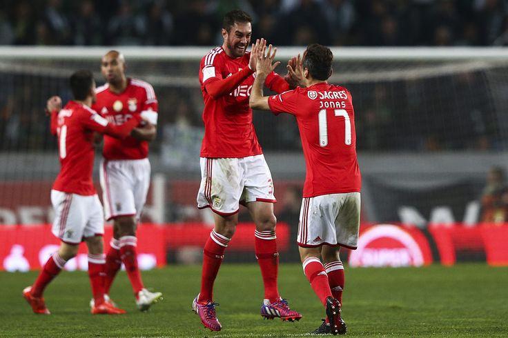 @Benfica Jardel e Jonas comemorando a realização de uma anotação #9ine