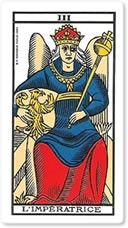 """El arcano mayor """"La Emperatriz"""" es el tercer arcano del Tarot. Su significado está relacionado con el poder femenino y la instauración y regencia de ese poder sobre la tierra. Si la carta """"La Sacerdotisa"""" significaba un poder femenino basado en la intuición femenina y en las leyes esotéricas, el poder del arcano mayor """"La emperatriz"""" es un poder apoyado en todo lo que la mujer puede ser y dar en relación a su esencia asociada a su personalidad. Sí la carta """"La sacerdotisa"""" era el lado…"""