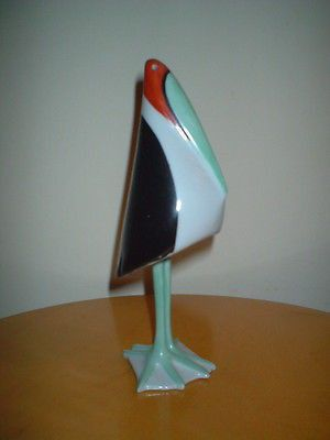 An original rare hand painted Cmielow pottery of a stork in two parts (the body and legs are separate, see photo) and dating from the early 1960s . Measures 16cm high. In very good condition with no