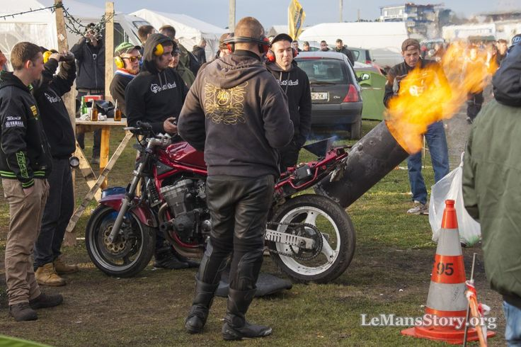 24H du Mans Moto Camping Bleu 2016 Motos et Motards Photos