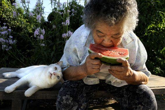 おばあちゃんとスイカと
