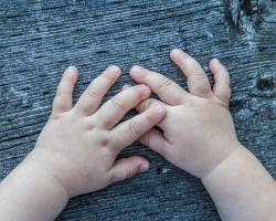 Brooke Wedlock Photography #toddler #familyphotographer #torontophotographer #familyfun #portrait #babyboy #hands