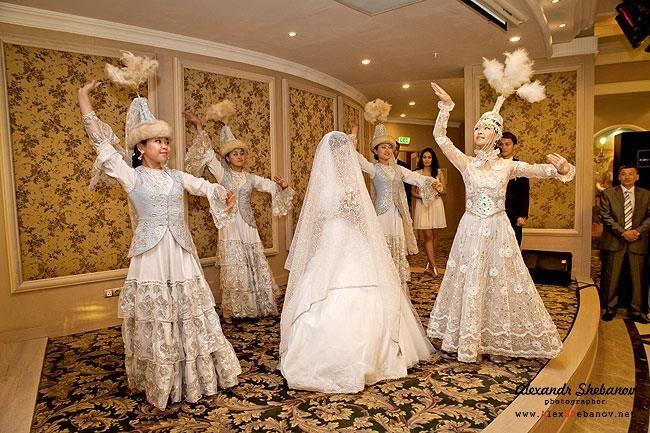 Платья костюмы в казахстане