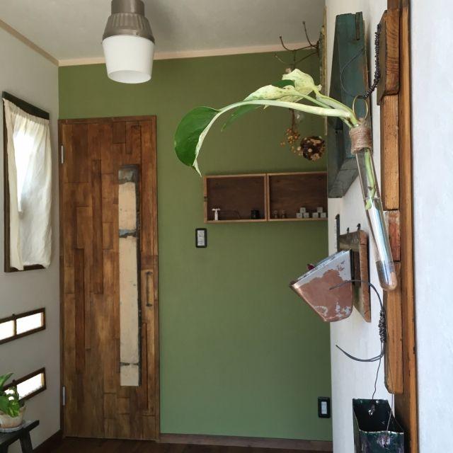 AJIKOさんの、玄関/入り口,インテリア雑貨,リメイクドア,イマジンウォールペイント,アンティーク照明,塩系インテリアの会,URGE&AJIKO,のお部屋写真