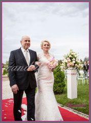 dekoracje kwiatowe ślubu w plenerze w Otrębusach 5
