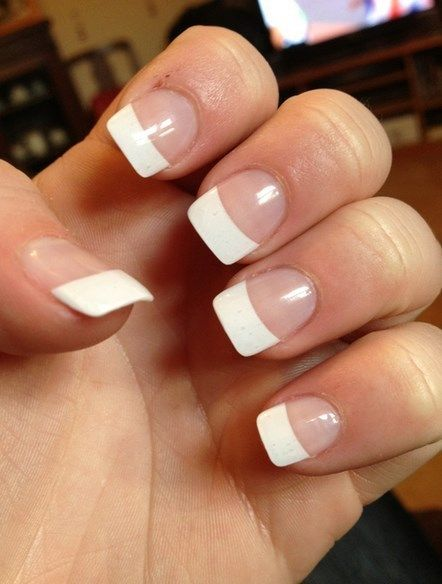 trending white tip acrylic