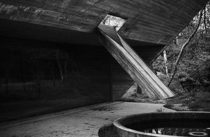 ROLU, rosenlof/lucas, ro/lu (studio blog) - News > The architecture of Juliaan Lampens goes beyond conventional living and is instead suggestive of the utopist avant-garde of living without barriers. In 1950, the architect set up his own business in Belgium, in the village of Eke on the outskirts of ...