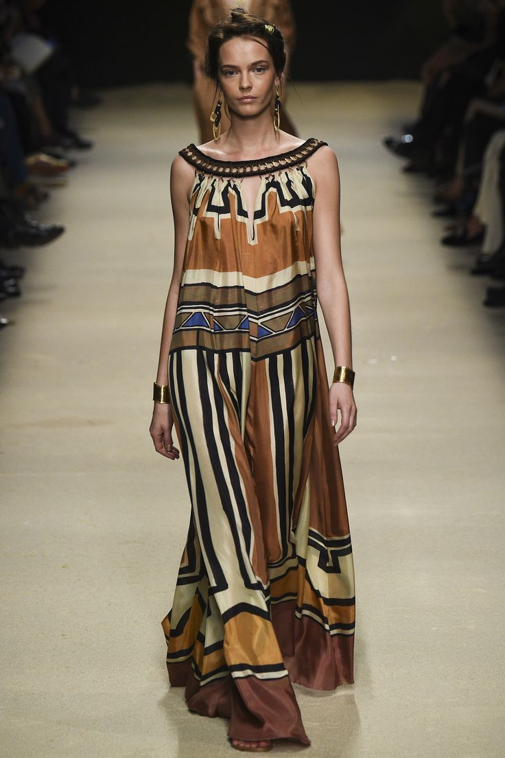Alberta Ferretti Spring 2016 Ready-to-Wear Fashion Show - Cameron Traiber