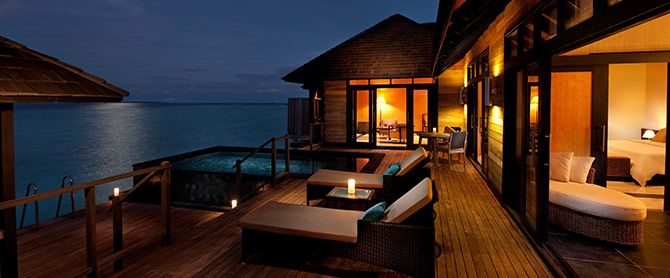Infinity Water Villa - doors opening to reveal a panorama of ocean in #Maldives  http://thesunsiyam.com/irufushi/infinity-water-villa