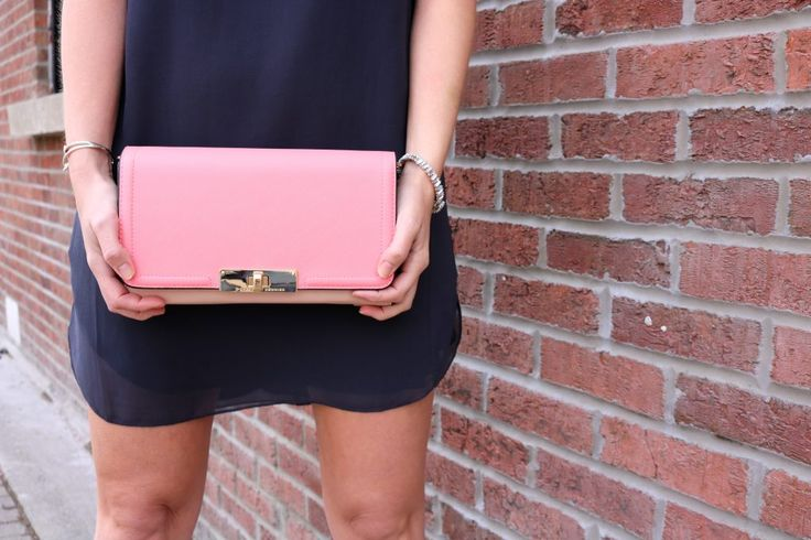 Poppy & Peonies Multi Clutch is absolute gorgeous!!