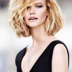 mittellange haare frisuren trends sommer 2017  Neue Trendfrisuren Frauen #frisur #frisuren #frisuren2017 #damenfrisuren #bobfrisuren #langhaarfrisuren #hairstyles #hair #trendfrisuren #kurzhaarfrisuren #damen #frauen #2017