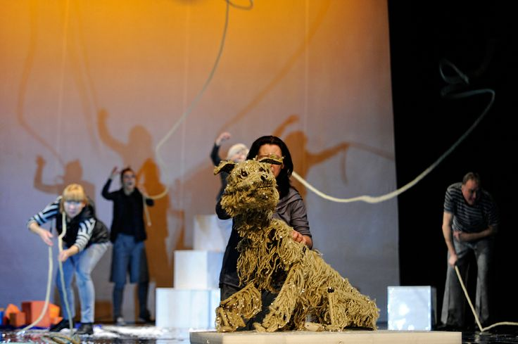 Baltic. The Dog on the ice floe. A performance at the Miniatura City Theatre in Gdansk. Photo by Piotr Pędziszewski