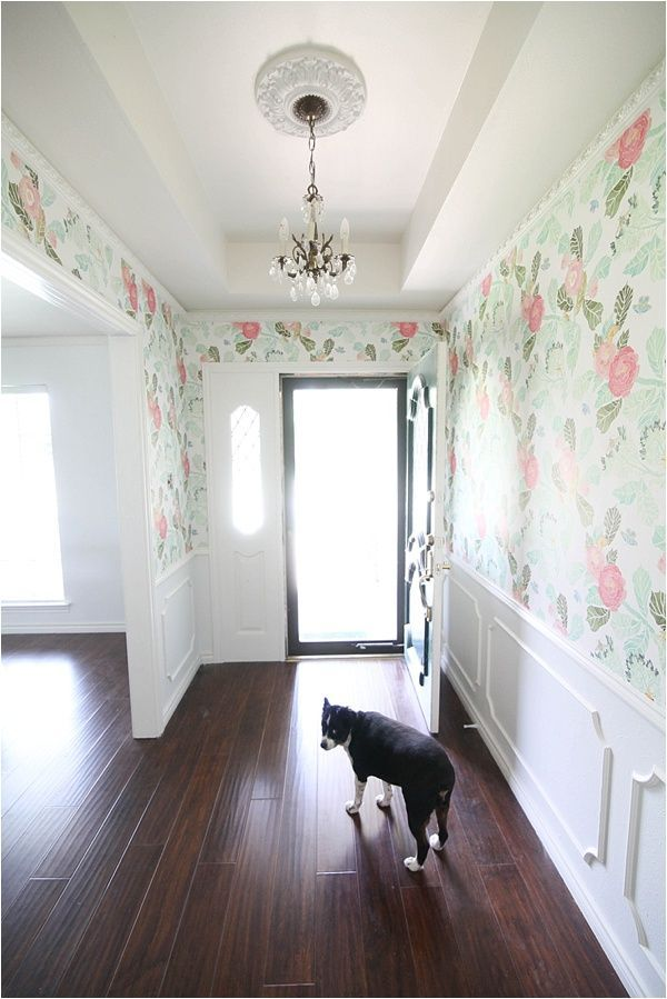 Obsessed with this entryway and floral wallpaper from www.runtoradiance.com. The wallpaper is watercolor peony from @anthropologie