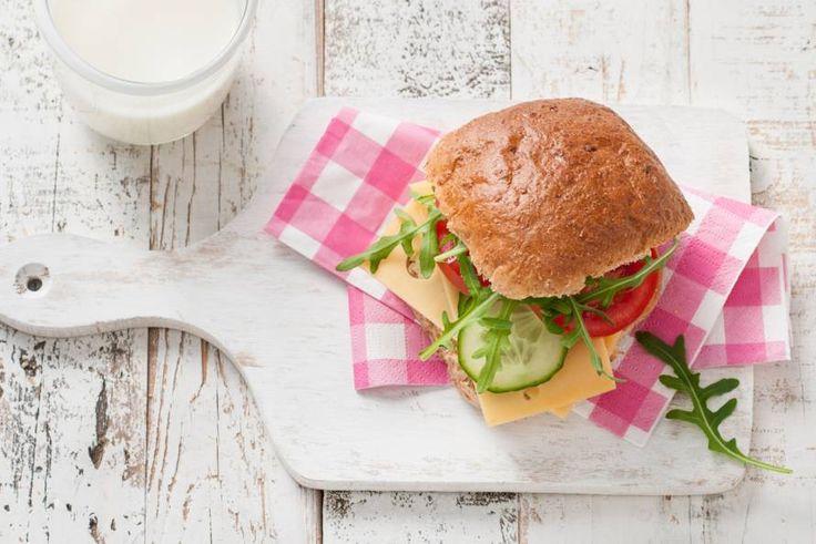 Begin je dag goed. Alle ingrediënten voor dit broodje komen uit de nieuwste Schijf van Vijf (2016) - Recept - Allerhande