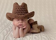 Crochet chapéu de cowboy cap recém-nascido e botas botas de neve terno Fotografia Props bebê chapéu e botas(