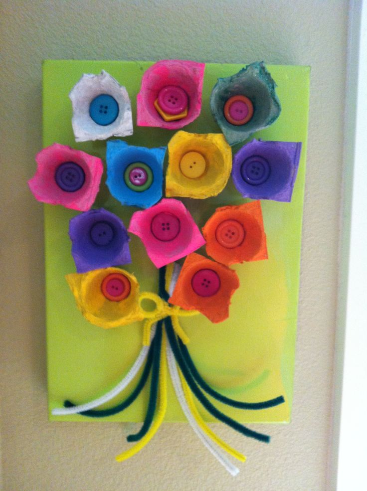 Fun weekend crafts with pre schoolers painted egg carton Egg carton flowers ideas
