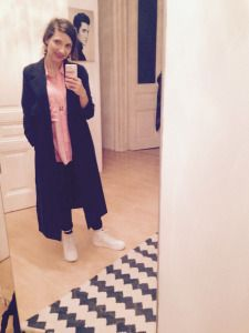 Outfit: Vagabond Shoes, Monki Coat, Weekday Bluse, pink blouse