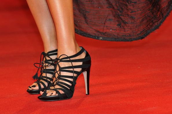 """Jessica Alba Photos Photos - Shoe detail as actress Jessica Alba attends the """"Machete"""" premiere during the 67th Venice Film Festival at the Sala Grande Palazzo Del Cinema on September 1, 2010 in Venice, Italy. - Machete - Premiere:67th Venice Film Festival"""