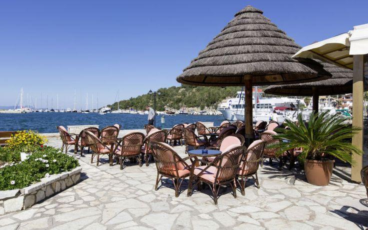 På Sivota kan du slappe af ved smukke strande. Se mere på http://www.falklauritsen.dk/rejser/europa/graekenland/sivota