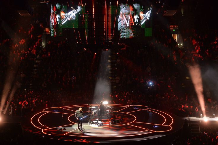 . The band Muse plays during their �Drones World Tour� concert at Oracle Arena in Oakland, Calif., on Tuesday, Dec. 15, 2015. (Doug Duran/Bay Area News Group):