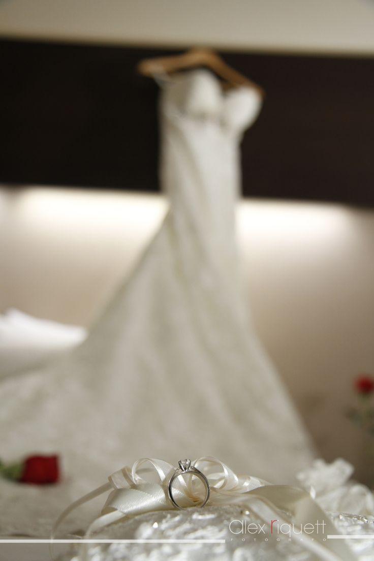 Vestido de Novia. #Accesorio#zapatillas#vestidos#novia#bodas.