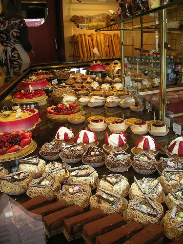 Patisserie! I love my French pastries! Petit cakes mmmm