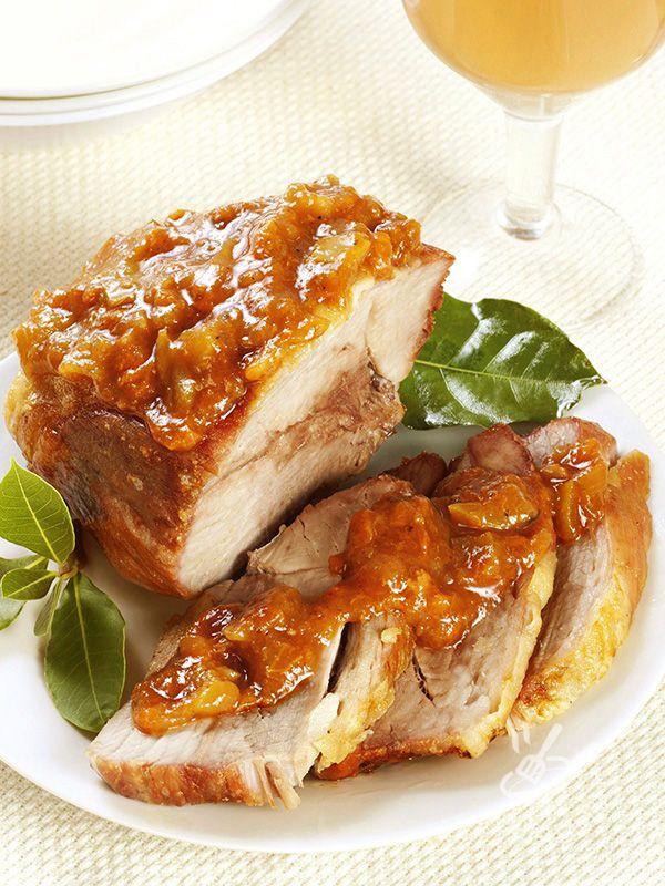 Le cipolle conferiscono all'Arrosto alla genovese un sapore senza eguali! Un arrosto succulento e facilissimo, una versione proprio irresistibile!