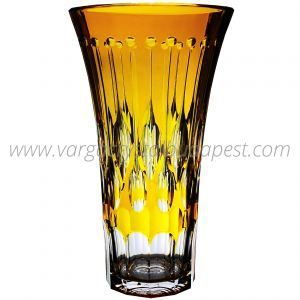 Renaissance Amber Vase 1190€