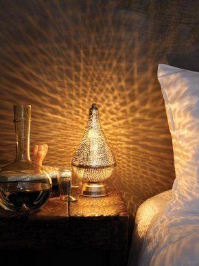 Voor in de slaapkamer? Staande sprookjeslamp peervorm, set van 2 Set van twee druppelvormige sprookjeslampen, voor oosterse sferen in huis. Prijs € 105,00