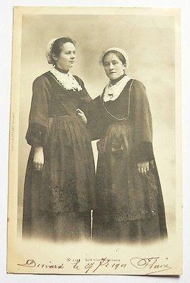 CPA de 1901 Les Carhaisiennes / Collection Villard Costumes coiffes N°1137