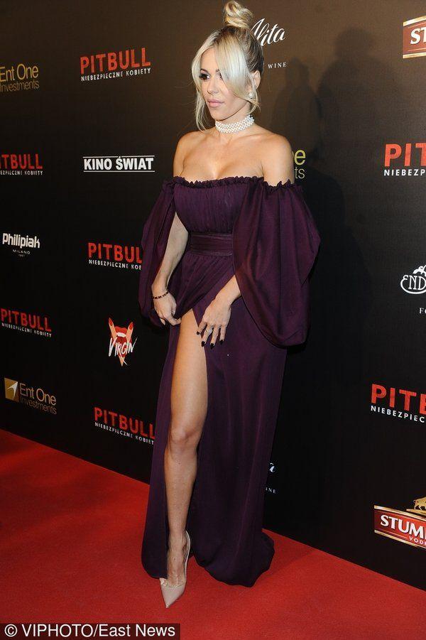 doda-na-premierze-filmu-pitbull-niebezpieczne-kobiety-389926-GALLERY_600.jpg (600×901)