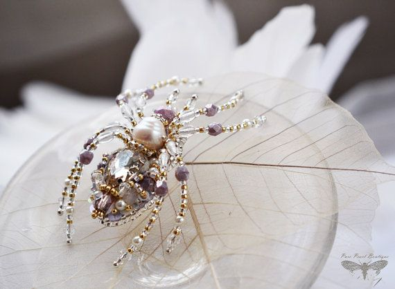 Spider jewelry Mothers Day gift Baroque jewelry Spring jewelry Beadwork Spider pin Pearl Lavender Animal pin Mother of Groom Gift for her