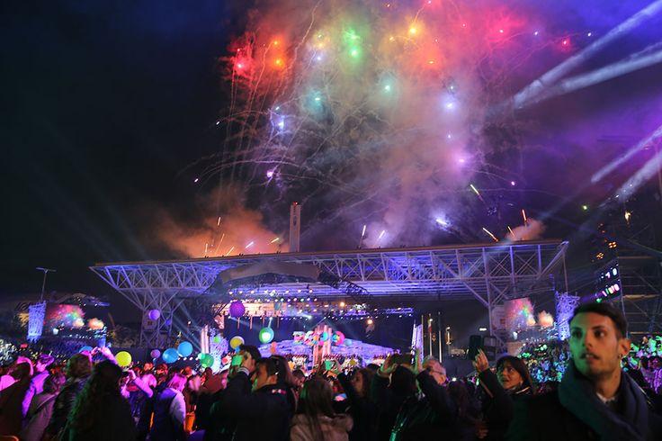 The closing ceremony at Open Air Theatre, Expo Milan 2015 #raiexpo #expo2015 #live #ceremony #milan #italy #fireworks #experiaitalia