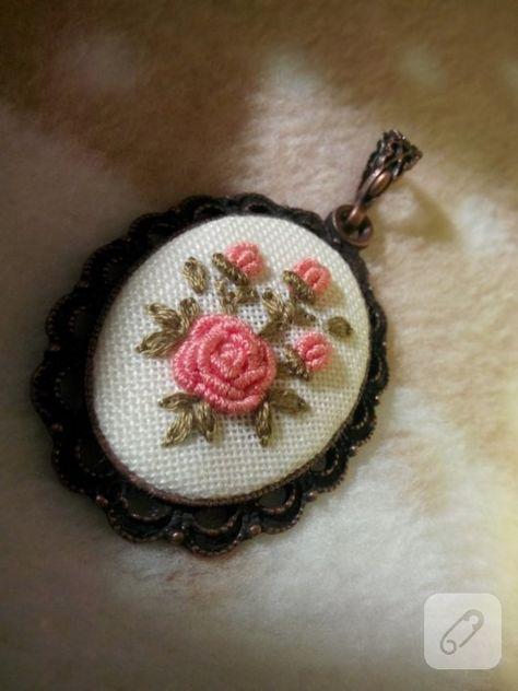 Rokoko çiçekli kanaviçe kolye – 10marifet.org