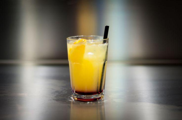 TEQUILA SUNRISE (Tequila, Succo di arancia, Sciroppo di granatina)