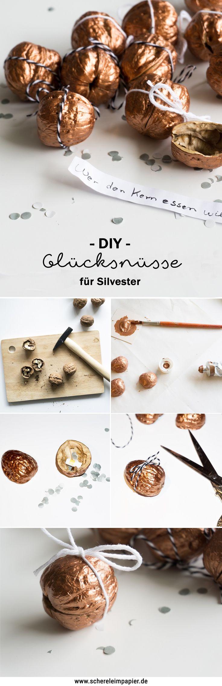DIY Silvester Deko basteln: Glücksbringer / Glücksnüsse mit Kupfer anstatt von Glückskeksen. Die Anleitung inkl. Tipp, wie ihr die Nüsse unbeschadet öffnet, findet ihr auf dem Blog!