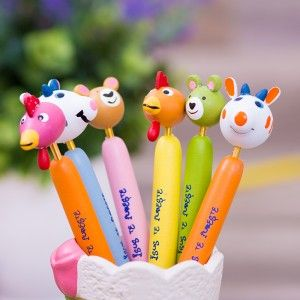Pencils with animals and message, Isus te iubeste