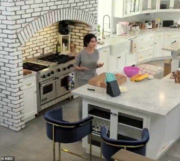 Selena Gomez Teases New Cooking Show For Hbo Max Freestanding Kitchen Classic White Kitchen Kitchen Interior Design Decor