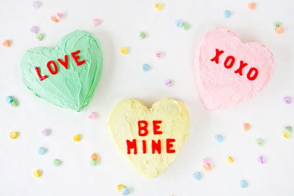StudioDIY // DIY Conversation Heart Cakes