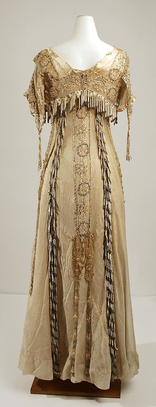 Evening dress House of Paquin  (French, 1891–1956) Designer: Mme. Jeanne Paquin   Date: 1904 Culture: French Medium: silk