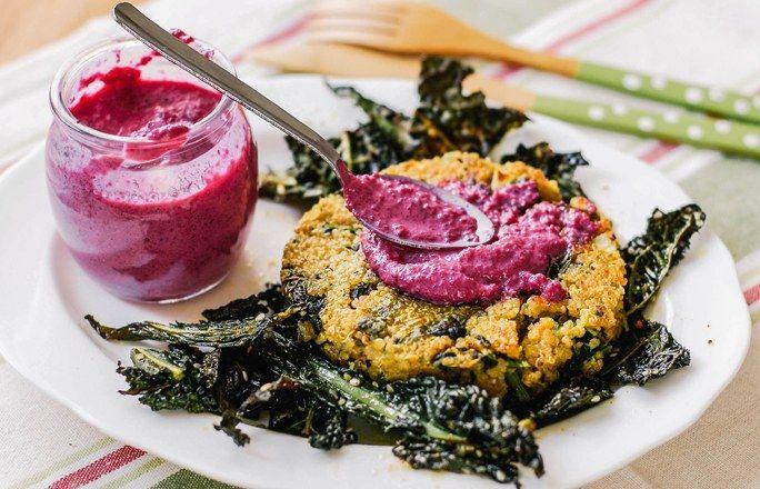 Hamburger di cavolo nero e quinoa - Ricette con il kale: il cavolo nero tanto amato in America