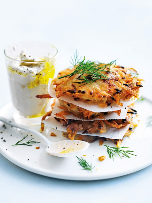 potato, onion and parmesan hash browns // https://www.donnahay.com.au/recipes/breakfast-and-lunch/classic-cafe/potato-onion-and-parmesan-hash-browns