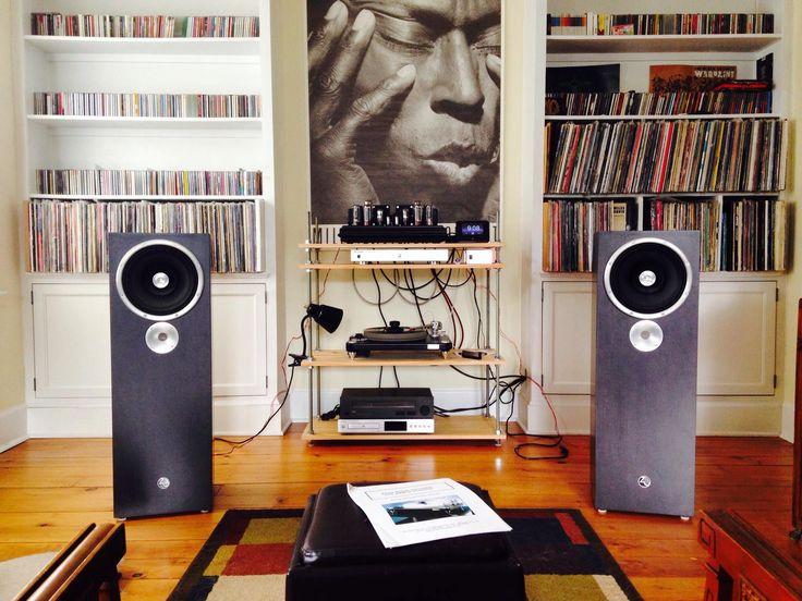 die besten 25 wandlautsprecher ideen auf pinterest tv wand lautsprecher holzwand planken und. Black Bedroom Furniture Sets. Home Design Ideas